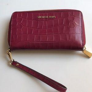 Michael Kors phone wallet wristlet